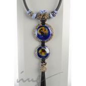 Ilgas mėlynas kaklo vėrinys su kutais
