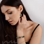 Apyrankė iš keramikos karoliukų - skaisčiai žalia