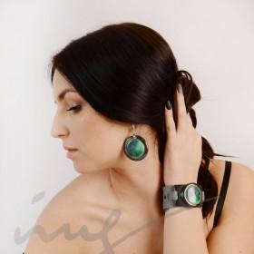 Apvalūs dideli skaisčiai žali auskarai