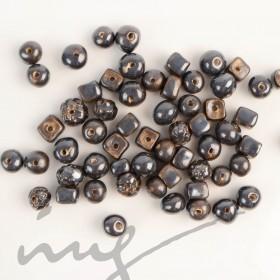 Rankų darbo keramikiniai karoliukai - juoda, 1,2mm skylute