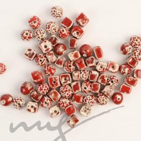 Rankų darbo keramikiniai karoliukai - raudona, 1,2mm skylute