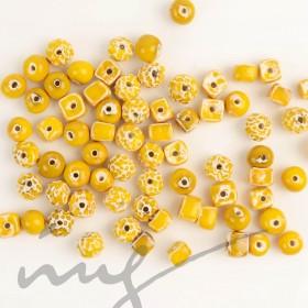 Rankų darbo keramikiniai karoliukai - geltona, 1,2mm skylute